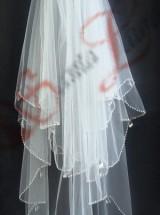 Фата украшеннная вышивкой из бусин ф42